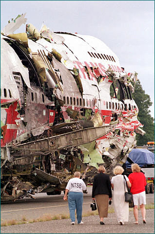 cras ill1996 l Top 10 unforgettable Plane Crashes in History Pictures Seen on www.VyperLook.com
