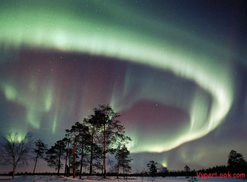 Northern lights Top 5 Most Amazing Natural Phenomena Pictures Seen on www.VyperLook.com