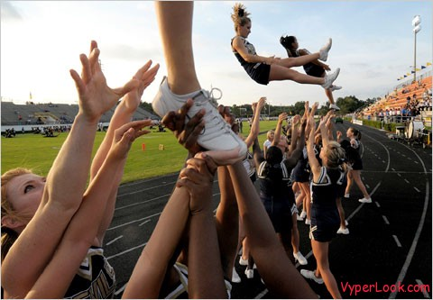 cheerleader 480 Most Extreme Cheerleader Accidents Of All Time Pictures Seen on www.VyperLook.com