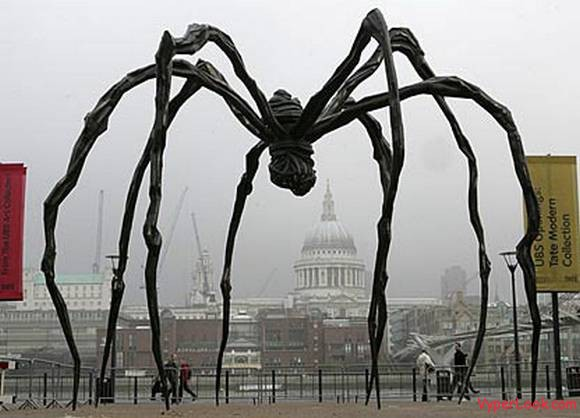 Louise Bourgeois's 30ft spider