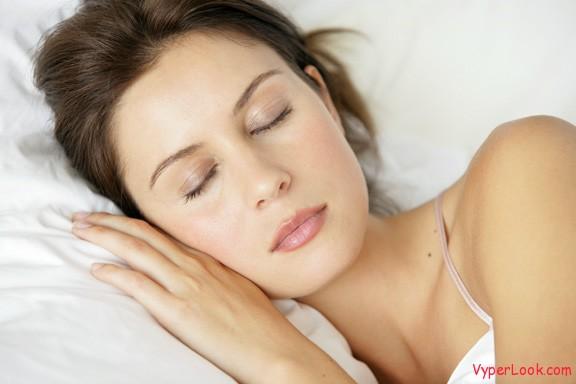 woman sleeping_5128318