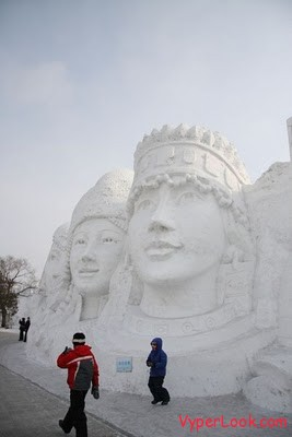 snow-sculptures-17