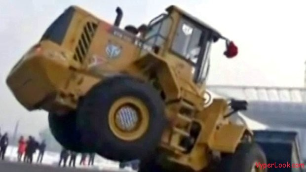 Awesome Bulldozers Breakdance