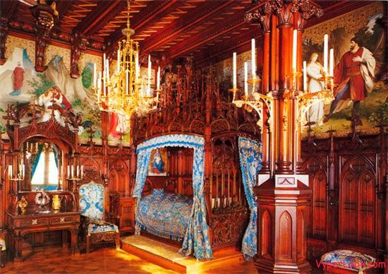 Neuschwanstein king bedroom