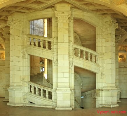 chambord double staircase Castles of the World Inside And Out Pictures Seen on www.VyperLook.com