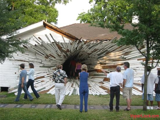 Http Www Vyperlook Com Amazing Incredible Amazing Tunnel House