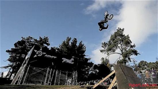 Amazing Extreme BMX Triple Backflip