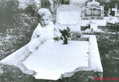 baby ghost Queensland, 1946