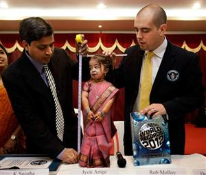 shortest woman Jvoti Amge1