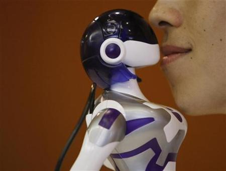 EMA the kissing robot Robots Replacing Humans   Sooner Than You Think! Pictures Seen on www.VyperLook.com