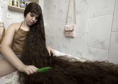 Natasha Moraes de Andrade 1 12 Year Old Girl With Longest Hair: 5 Feet 2 Inches Long as seen on CoolWeirdo.com