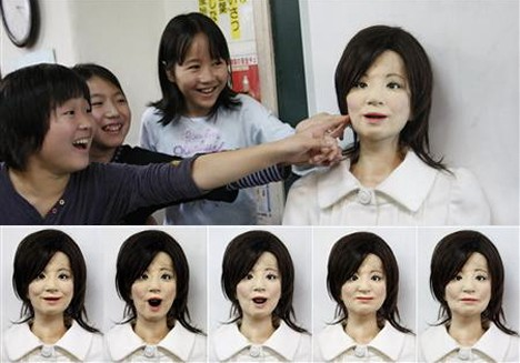 Saya the Teacher Robot 2