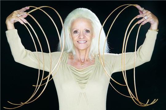 Lee Redmond longest nails Most Extreme Human Bodies Pictures Seen on...