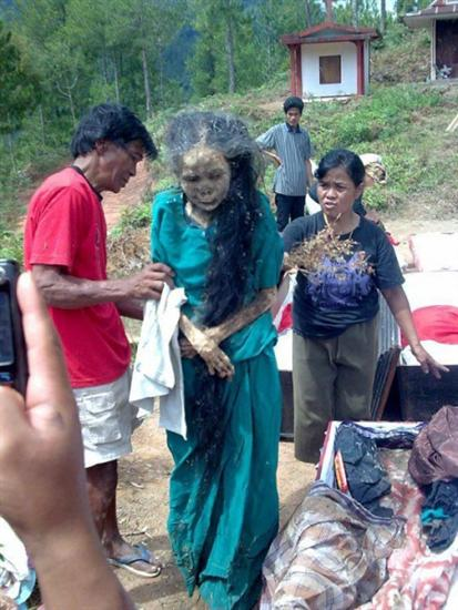Zombie woman indonesia 2