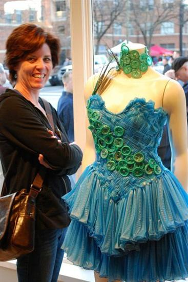 Condom dress 5 Weirdest Dresses Ever Seen Pictures Seen on www.VyperLook.com