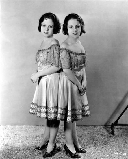 Daisy and Violet Hilton 1