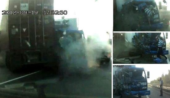 Russian truck driver escapes death trough windshield 1