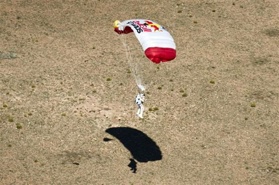 Felix Baumgartner Breaks Sound Barrier8