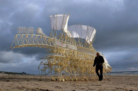 strandbeest and Theo Jansen