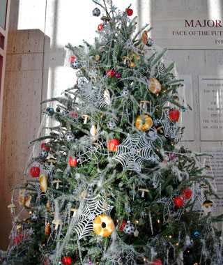 tradition-spider-webs christmas tree