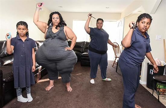 Largest Hips In The World | CoolWeirdo | Page 2  Largest Hips In...