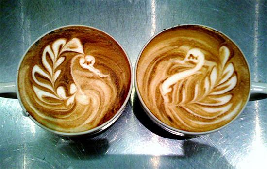 Coffee Foam Art swans Coolest Coffee Foam Art as seen on CoolWeirdo.com