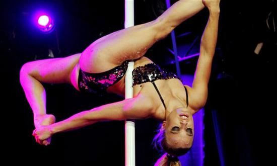 Oona Kivela 6 Outstanding Pole Battles   Best Of Pictures Seen on www.VyperLook.com