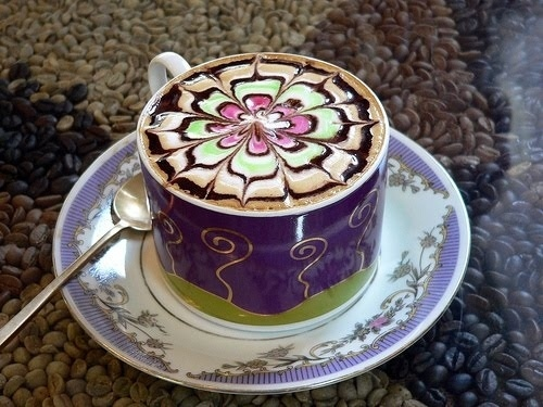 colored flower coffee foam art