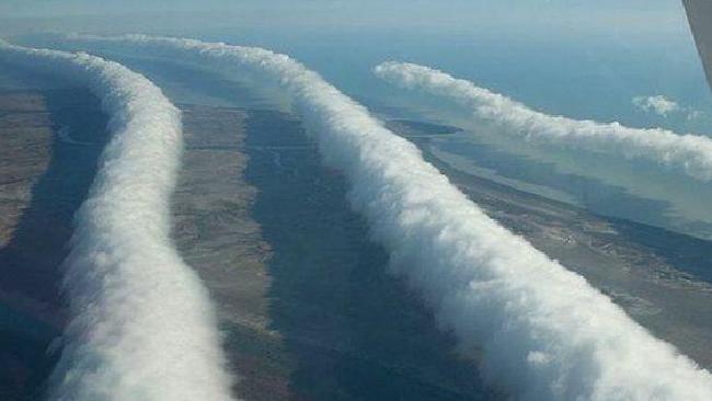 roll clouds rare clouds wave