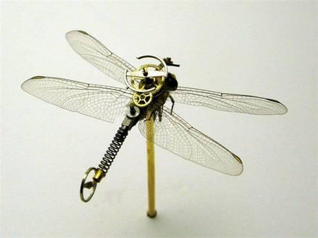 105693mechanical bug21