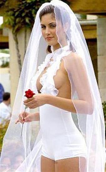 212421weird wedding dress 10 Funniest Wedding Dresses Pictures Seen on www.VyperLook.com