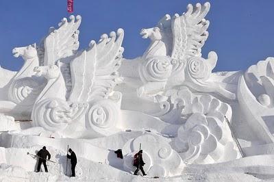 53277cool ice sculpture 2
