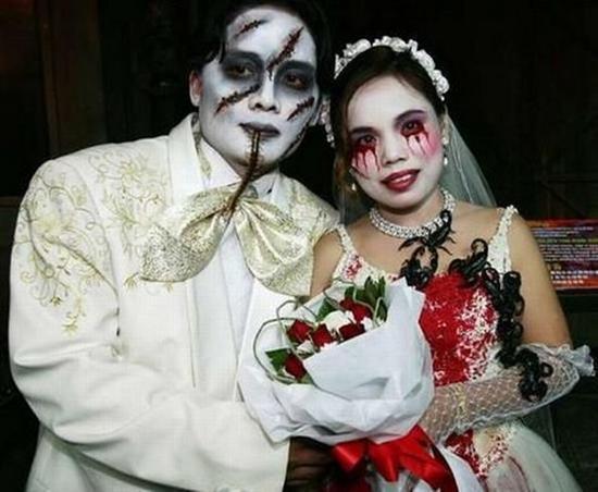 665048bizarre weddings 10